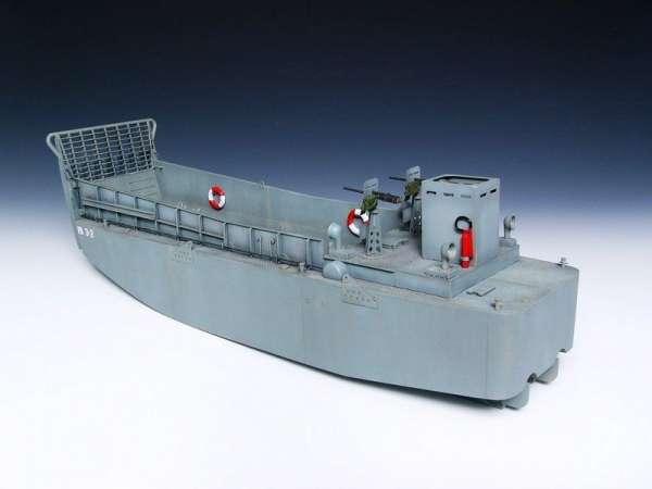 plastikowy-model-do-sklejania-barki-desantowej-lcm-3-sklep-modelarski-modeledo-image_Trumpeter_00347_5