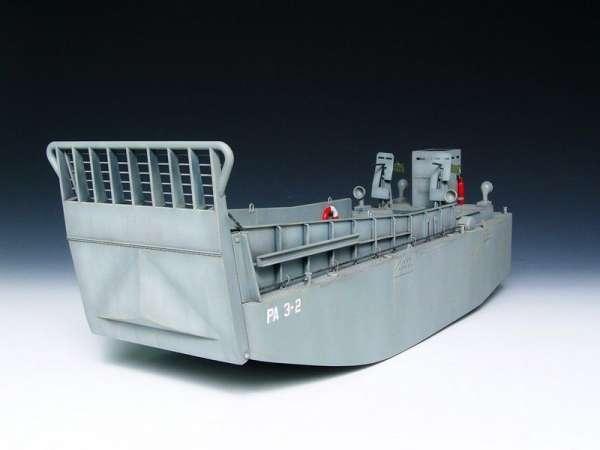 plastikowy-model-do-sklejania-barki-desantowej-lcm-3-sklep-modelarski-modeledo-image_Trumpeter_00347_2