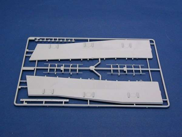 plastikowy-model-do-sklejania-barki-desantowej-lcm-3-sklep-modelarski-modeledo-image_Trumpeter_00347_7
