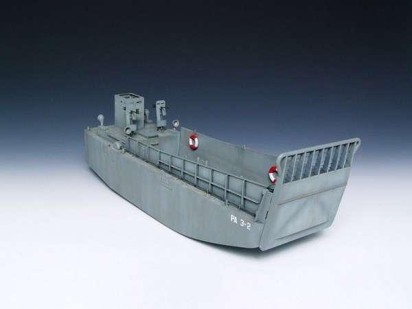 plastikowy-model-do-sklejania-barki-desantowej-lcm-3-sklep-modelarski-modeledo-image_Trumpeter_00347_6