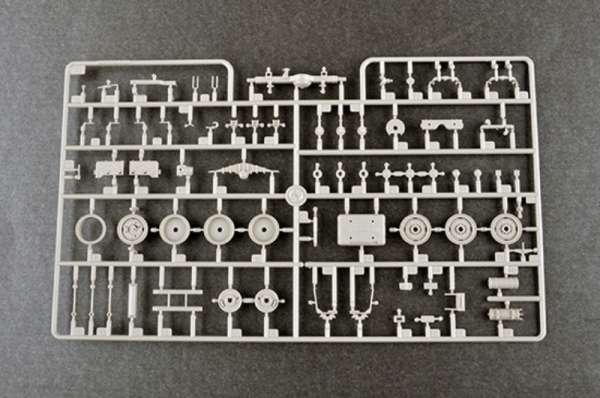 plastikowy-model-do-sklejania-russian-zil-131-sklep-modelarski-modeledo-image_Trumpeter_01031_9
