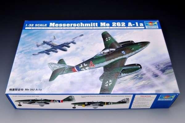 German fighter Messerschmitt Me262_a_1a plastikowy_model_do_sklejania_trumpeter_02235_image_13-image_Trumpeter_02235_3