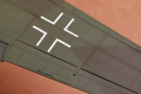 German fighter Messerschmitt Me262_a_1a plastikowy_model_do_sklejania_trumpeter_02235_image_6-image_Trumpeter_02235_1