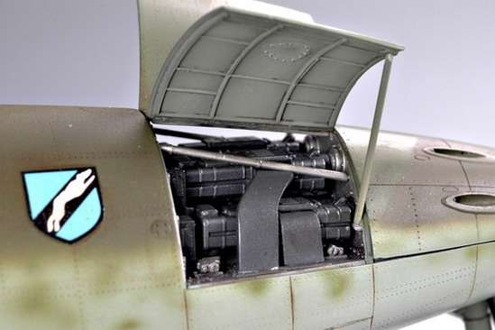 German fighter Messerschmitt Me262_a_1a plastikowy_model_do_sklejania_trumpeter_02235_image_1-image_Trumpeter_02235_1