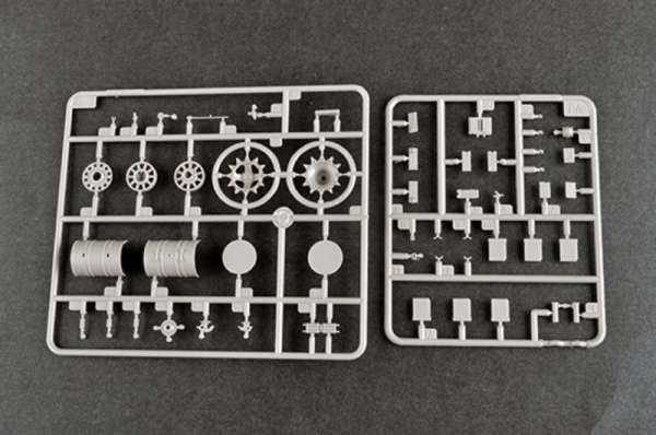 plastikowy-model-do-sklejania-czolgu-t-80u-mbt-sklep-modeledo-image_Trumpeter_09525_18