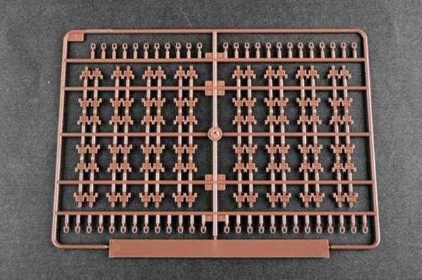 plastikowy-model-do-sklejania-czolgu-t-80u-mbt-sklep-modeledo-image_Trumpeter_09525_15