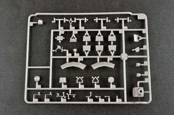 plastikowy-model-do-sklejania-czolgu-t-80u-mbt-sklep-modeledo-image_Trumpeter_09525_12