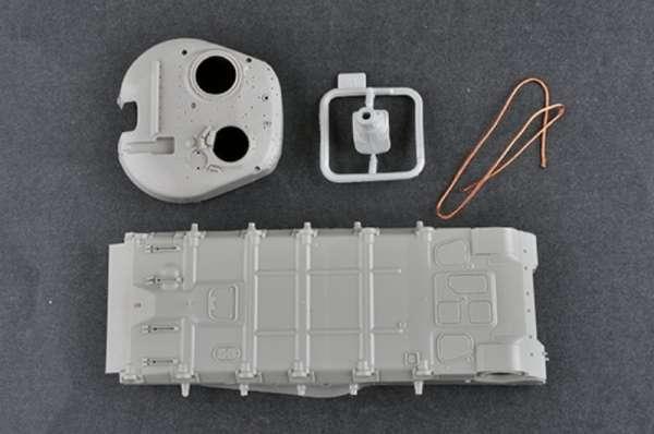 plastikowy-model-do-sklejania-czolgu-t-80u-mbt-sklep-modeledo-image_Trumpeter_09525_6