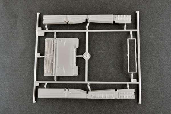 plastikowy-model-do-sklejania-czolgu-t-80u-mbt-sklep-modeledo-image_Trumpeter_09525_11
