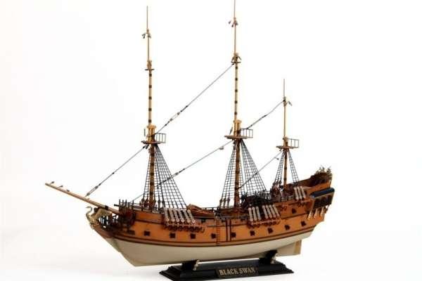 Zvezda_9031_Black_Swan_Pirate_Ship_hobby_shop_modeledo.pl_image_5-image_Zvezda_9031_3
