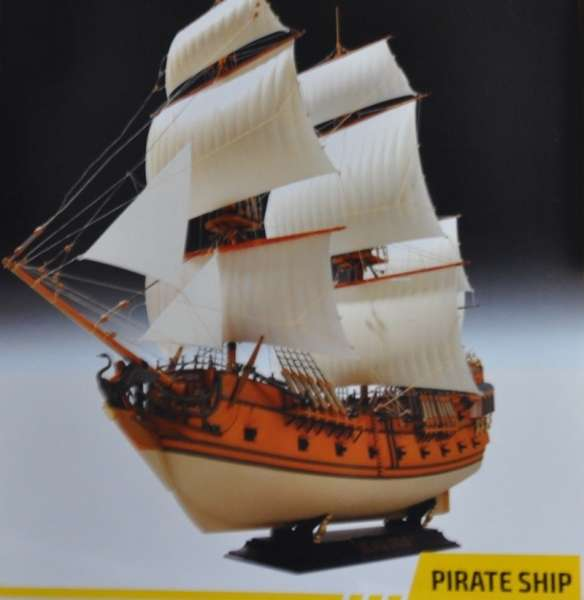 Zvezda_9031_Black_Swan_Pirate_Ship_hobby_shop_modeledo.pl_image_2-image_Zvezda_9031_2