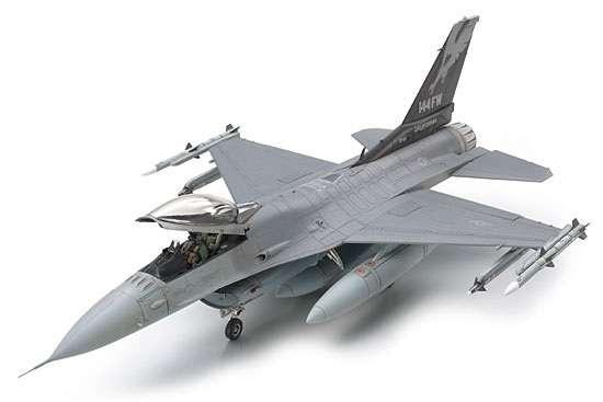 Amerykański myśliwiec Lockheed Martin F-16 C (blok 25/32) Fighting Falcon ANG, plastikowy model do sklejania Tamiya 61101 w skali 1:48.-image_Tamiya_61101_1