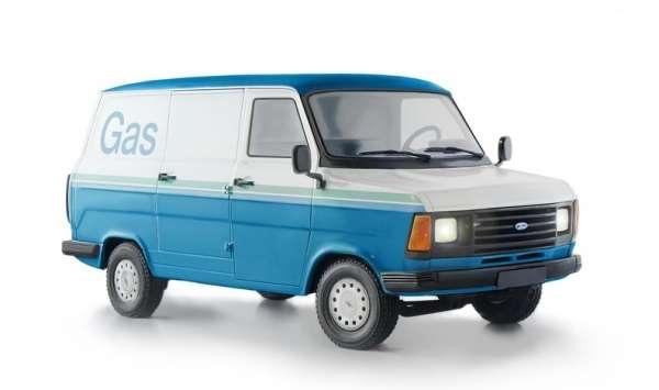 Samochód dostawczy Ford Transit MK2, plastikowy model do sklejania Italeri 3687 w skali 1:24.-image_Italeri_3687_1