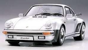Niemiecki samochód Porsche 911 Turbo 88, plastikowy model do sklejania Tamiya 24279 w skali 1:24-image_Tamiya_24279_1